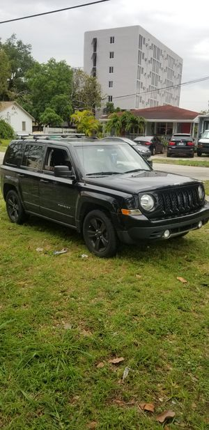jeep patriot 2012 ...77k.... perfecta conditions for Sale in Coral Gables, FL