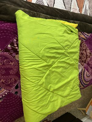 Solimo Microfibre Reversible Comforter, Single (Olive Green & Cheery Yellow, 200 GSM)- for Sale in Bellevue, WA