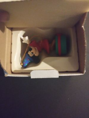 Disney, Hallmark, and Looney Tunes ornaments. 90s collection. Collectables, Antiques, Vintage. for Sale in Tempe, AZ