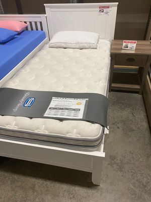Twin Wood Platform Bed with Headboard, White for Sale in Bell Gardens, CA