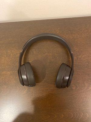 Beats solo 3 matte black for Sale in Coconut Creek, FL