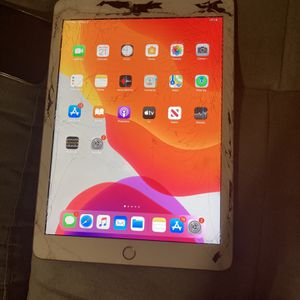 Ipad 6th gen For Sale 32gb With Sim for Sale in The Bronx, NY