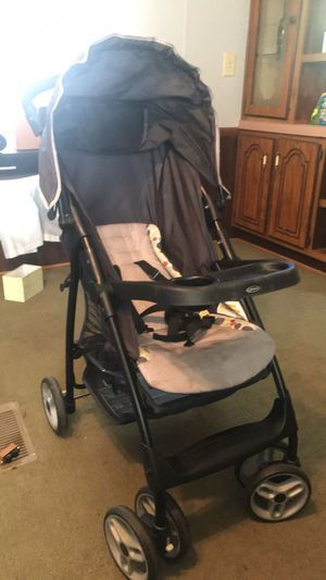 Graco stroller/car seat connect for Sale in Peletier, NC