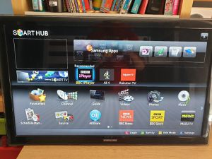 Samsung 32 Inch smaRt tv with browser for Sale in Bothell, WA