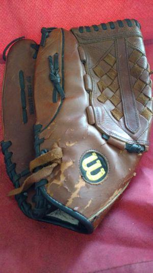Wilson Elite left-handers fielders baseball / softball glove for Sale in Columbus, OH