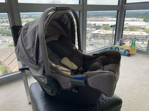 NUNA Pipa Car Seat(with the base) for Sale in North Bethesda, MD