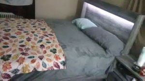 Queen size bed frame for Sale in Niles, OH