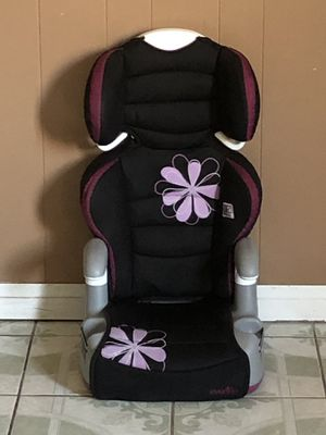 LIKE NEW EVENFLO BOOSTER SEAT for Sale in Riverside, CA