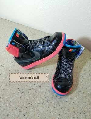 Nike Air shoes Women's 6.5 for Sale in Moreno Valley, CA