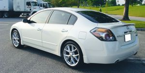 Keyless entry 2007 Nissan Altima Good tires for Sale in Detroit, MI