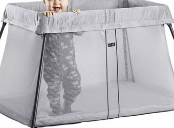 Baby Bjorn Lightweight Crib With Travel Bag for Sale in Mission Viejo,  CA