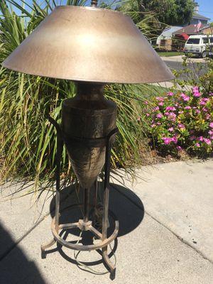 SUPER UNIQUE VINTAGE LOOKING LAMP for Sale in Buena Park, CA