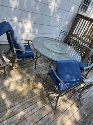 Glass top patio set for Sale in Toms River, NJ