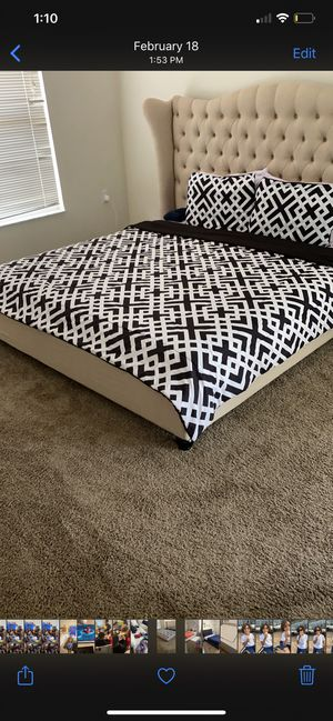 King size bed for Sale in Haines City, FL