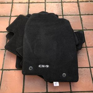 2020 Mazda CX-9 Floor Mat Complete Set, Brand New for Sale in Des Moines, WA