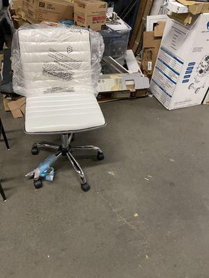 White office chair for Sale in Atlanta, GA