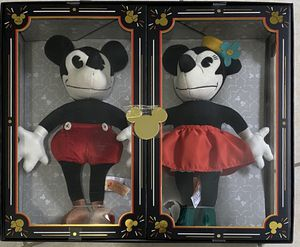 Disney Parks 90th Anniversary Mickey and Minnie Plush Set Limited for Sale in Orlando, FL