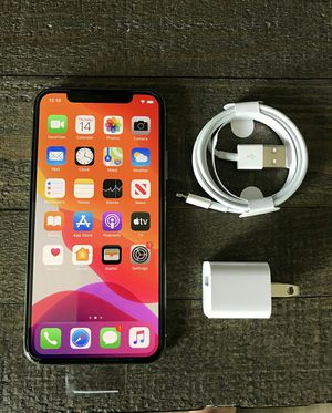 iPhone X - 256 GB Silver Factory Unlocked for Sale in Los Angeles, CA
