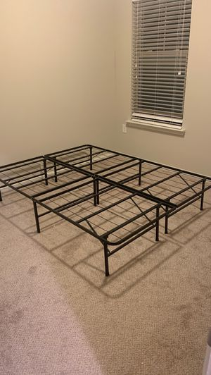 Queen metal bed frame for Sale in Asheville, NC