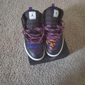 Boys Jordan's Size 1.5 for Sale in Jonesboro, GA