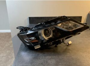 2015 - 2018 Chevrolet Chevy impala L headlight for Sale in Tampa, FL