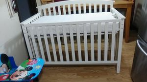 Crib with matress for Sale in Chicago, IL