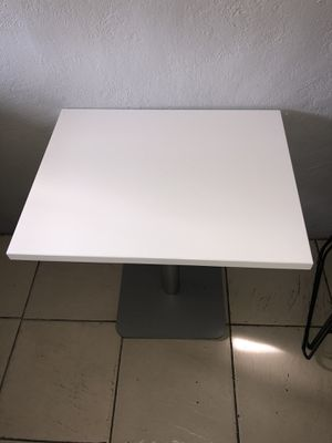 2 white tables with chairs for Sale in Miami, FL