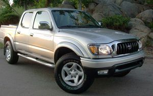 On Saleee 2004 Toyota Tacoma PreRunner 4WDWheels Clean! for Sale in El Monte, CA
