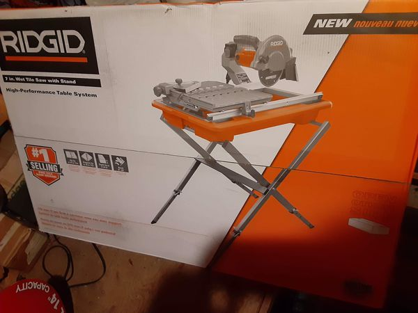 9Amp corded 7 in. Wet tile saw with stand