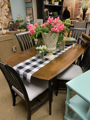 Dining table with 4 chairs and leaf for Sale in Cary, NC