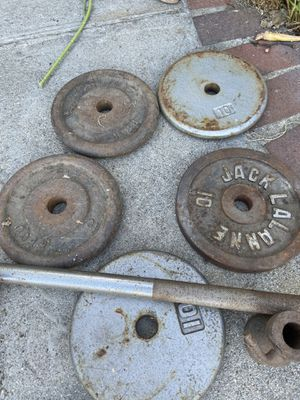 50 pounds barbell weights and bar for Sale in Cerritos, CA