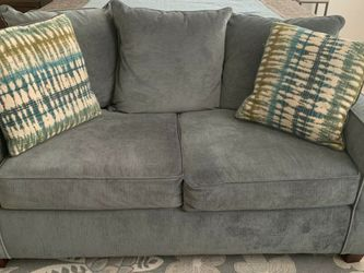 Grey Loveseat for Sale in Bowie,  MD