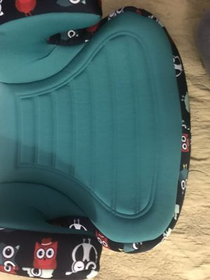 Car seat booster new for Sale in Lynwood, CA