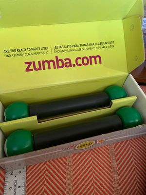 Zumba Maraca Dumbbell Set (2lbs) for Sale in Queens, NY