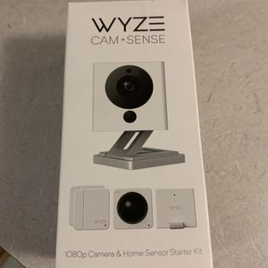 Wyze Cam V2 1080P Indoor Smart Home Camera with Wyze Sense Starter Kit BRAND NEW SEALED IN BOX for Sale in Middlefield, OH