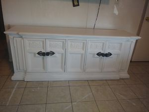 Solid wood Stanley white farmhouse buffet credenza w/ black metal handles $135 @ 75th ave & Peoria for Sale in Peoria, AZ