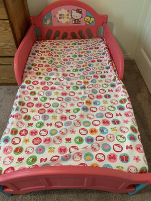 Hello Kitty toddler bed with mattress & fitted sheet for Sale in Fontana, CA