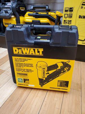 Dewalt DWFP72155 15ga Angle Finish Nailer for Sale in Framingham, MA