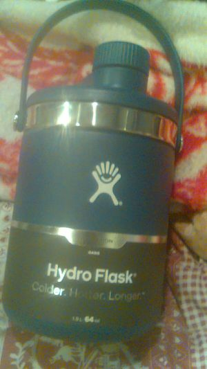 Hydro Flask 64oz for Sale in Santa Ana, CA