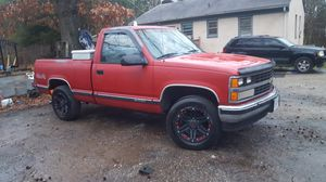 Chevy Silverado 1988 4x4 automatic 5.7 through body injection completely rust free truck just inspected for Sale in Moseley, VA