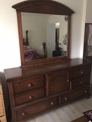 Free - Mirror dresser for Sale in Miami, FL