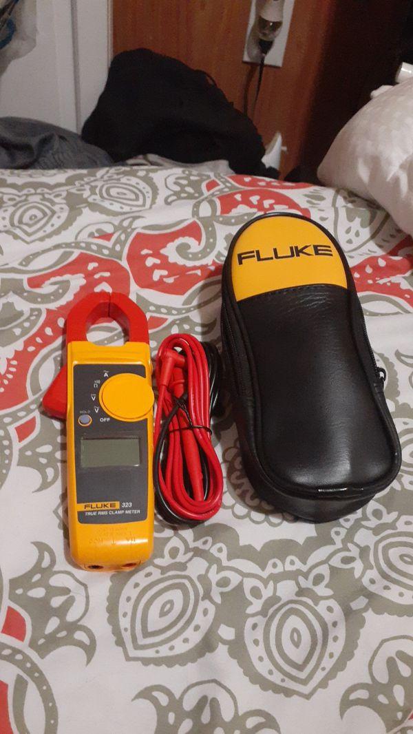 Fluke 323 true rms clamp meter