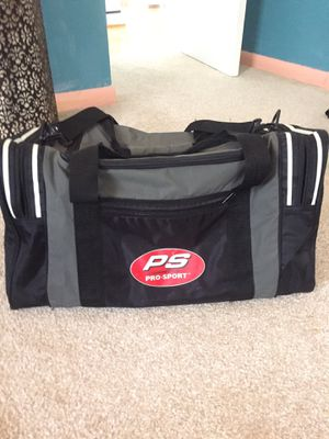 Sports duffle bag for Sale in Glen Burnie, MD