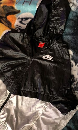 Off White Nike size XL(wind breaker)Used Perfect Condition for Sale in Gaithersburg, MD