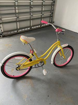 """Girls Schwinn bike - 20"""" for Sale in Miami, FL"""