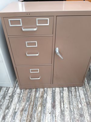 Metal file cabinet for Sale in Pomona, CA