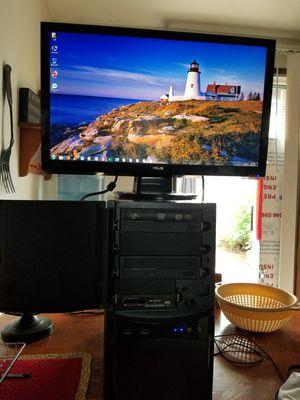 Desktop Computer & Monitor for Sale in Portland, OR