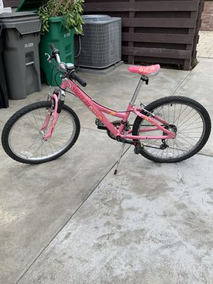 """Trek girl mountain bike 24"""" MT220 for Sale in La Verne, CA"""