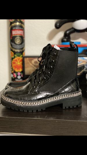 BLACK LEATHER BOOTS (MISGUIDED) for Sale in Juniper Hills, CA