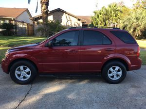 2008 Kia Sorento SUV 3.3L V6 Runs and drive excellent with very low miles. Very good on gas. for Sale in Houston, TX